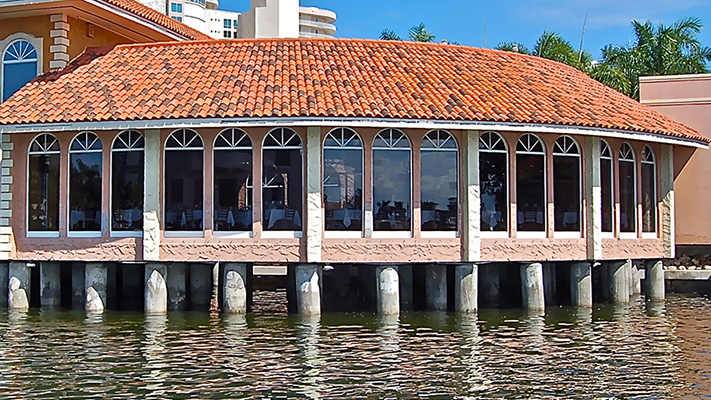 T-Michaels: Steak & Lobster House | Waterfront Dining on
